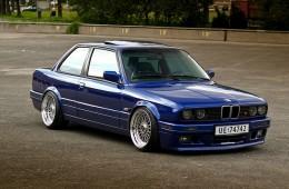 BMW E30 STance Flush Fitment