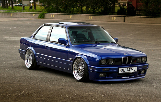 BMW E30 STance Flush Fitment