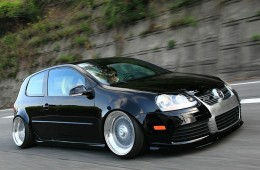 Slammed & Fitted VW GTI R32 (2)