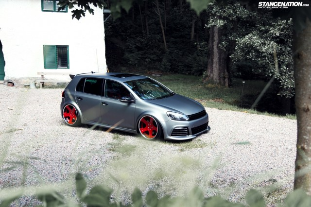Stanced Volkwagen Golf GTI (17)