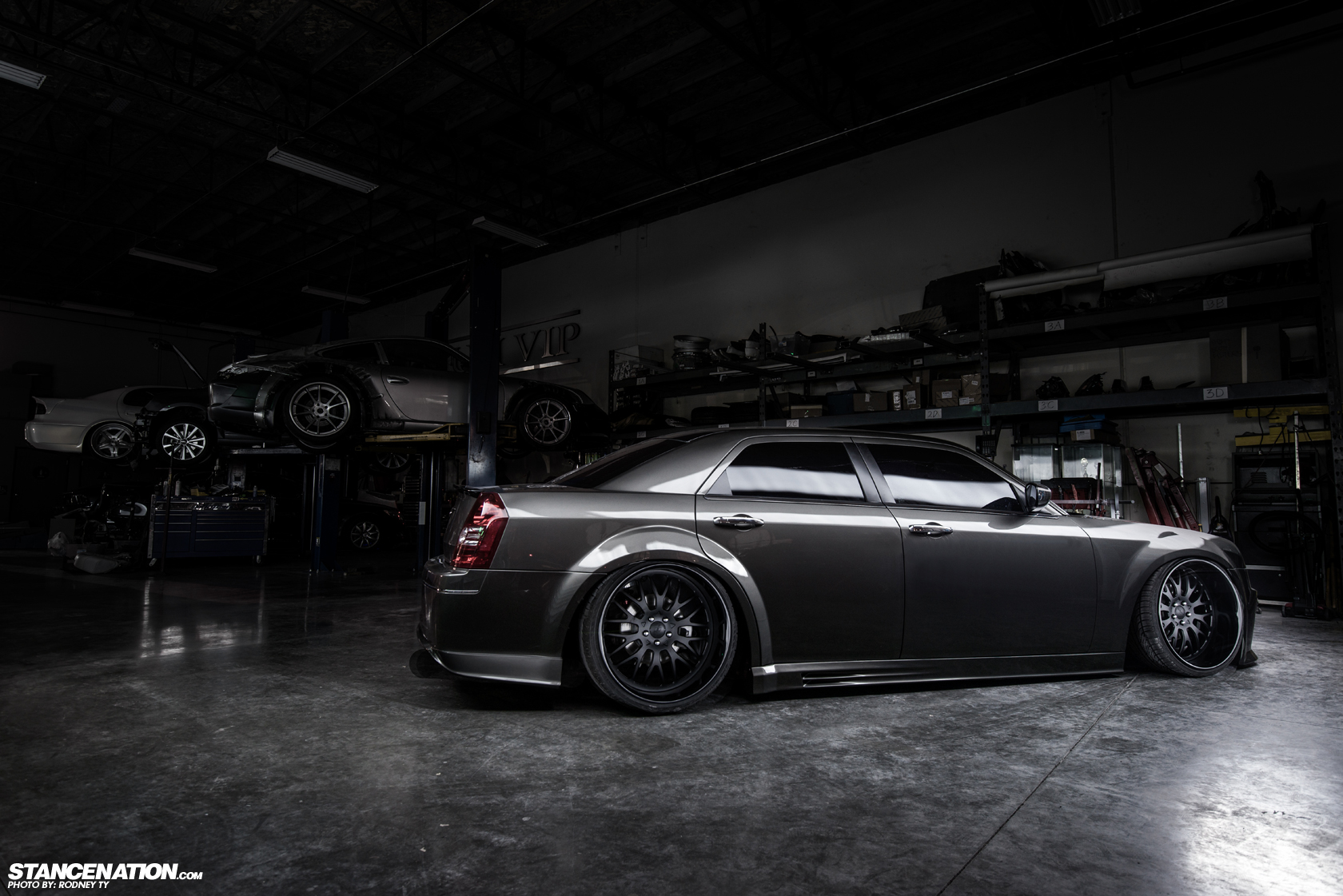 Platinum Vip X Liberty Walk Japan Slammed Chrysler 300
