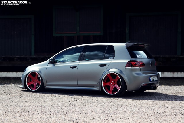 Stanced Volkwagen Golf GTI (8)