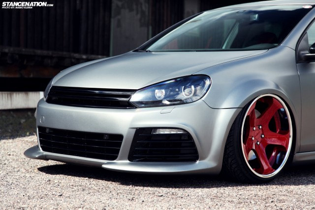Stanced Volkwagen Golf GTI (7)