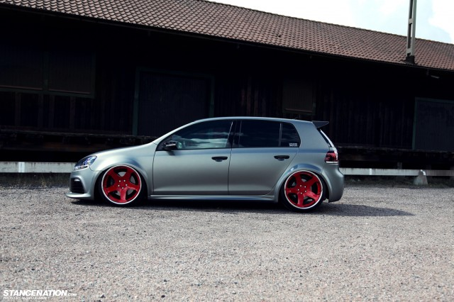 Stanced Volkwagen Golf GTI (6)
