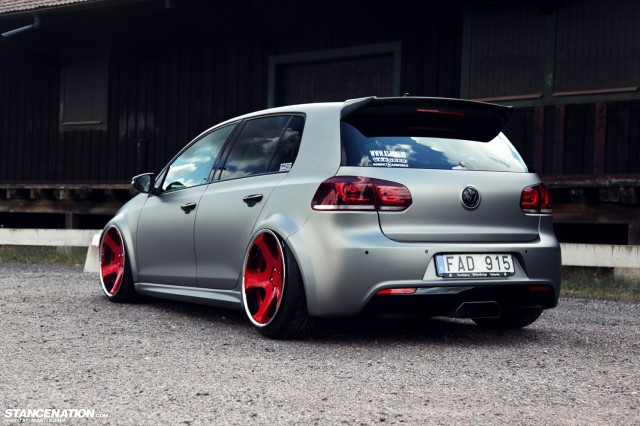 Stanced Volkwagen Golf GTI (3)