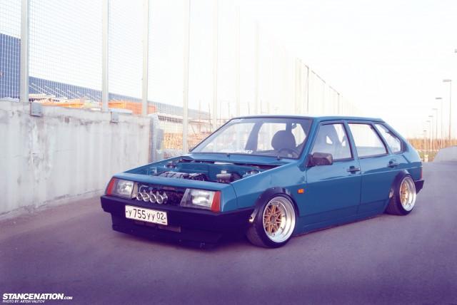Stanced Russian Lada Samara (18)
