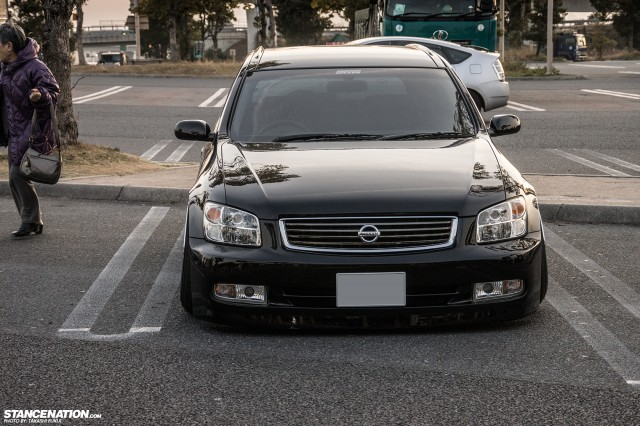 Stanced Nissan Stagea M35 Japan (7)