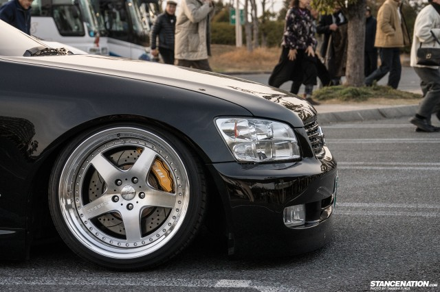 Stanced Nissan Stagea M35 Japan (5)