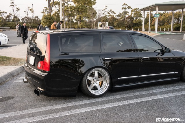 Stanced Nissan Stagea M35 Japan (4)