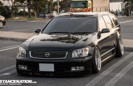 Stanced Nissan Stagea M35 Japan (1)