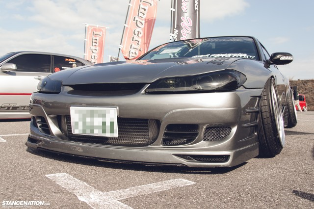 Stanced Silvia Nissan S15 (2)