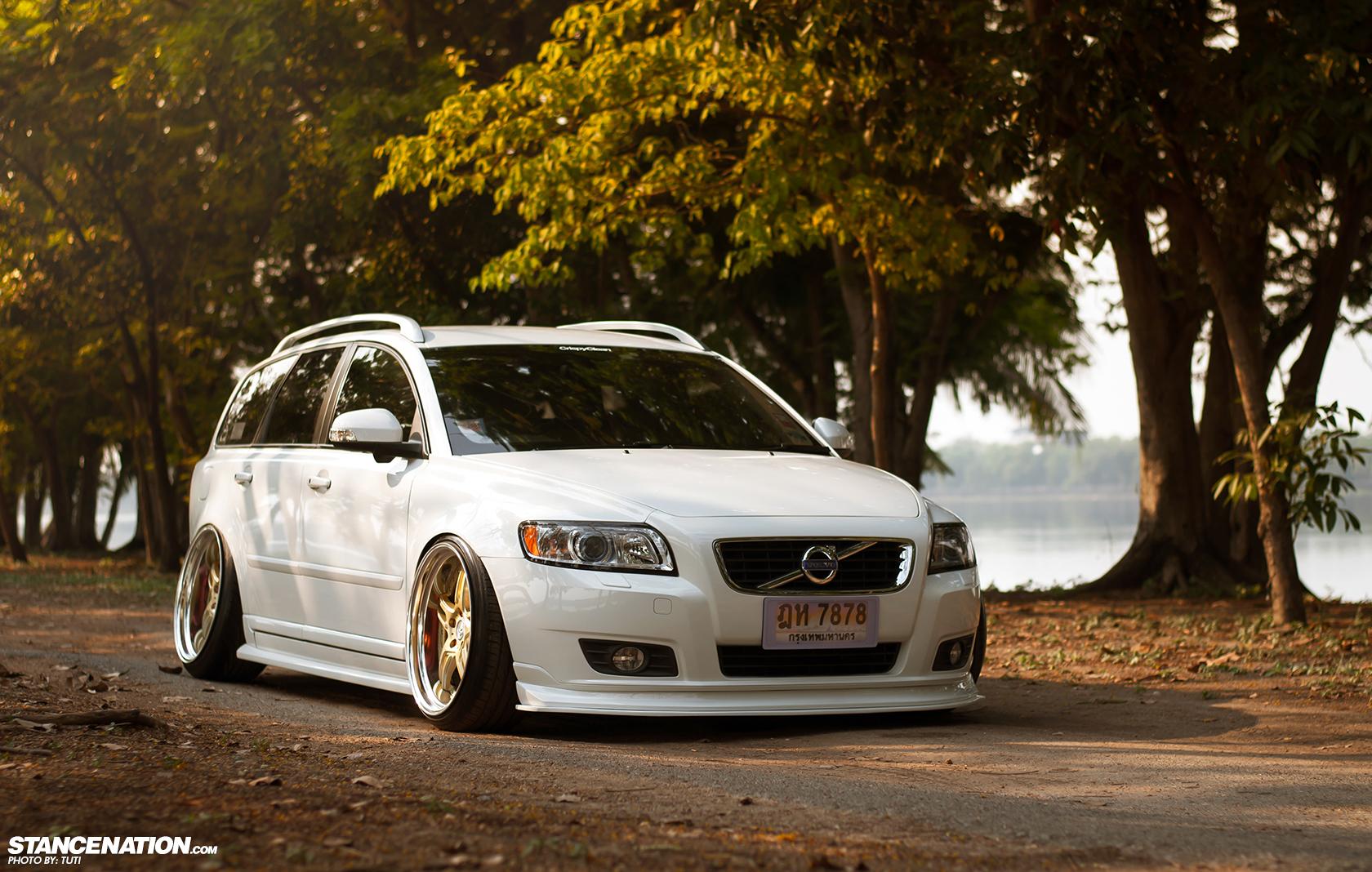 Thai-Style // Momm's slammed Volvo V50. | StanceNation™ // Form > Function