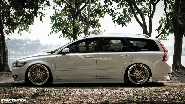 Stanced Flush Volvo V50 Wagon (7)