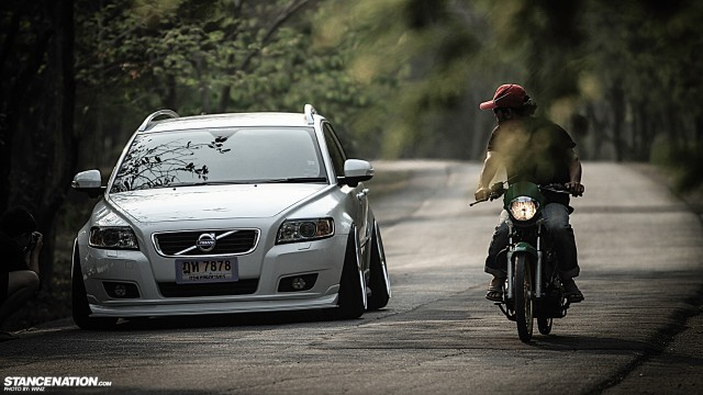 Stanced Flush Volvo V50 Wagon (5)