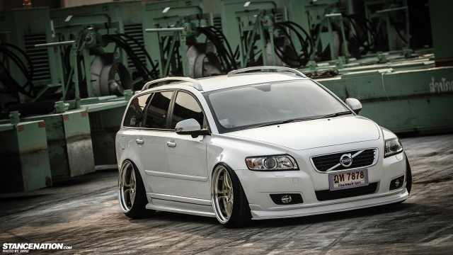 Stanced Flush Volvo V50 Wagon (3)