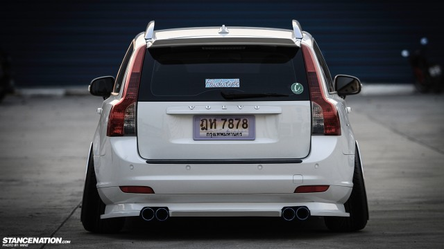 Stanced Flush Volvo V50 Wagon (1)