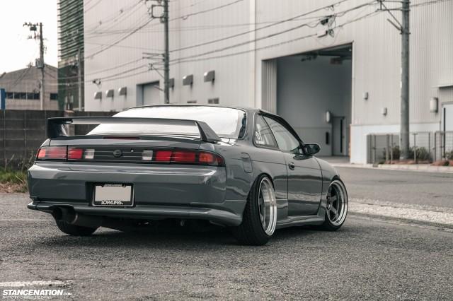Slammed Japanese Nissan Silvia S14 (7)