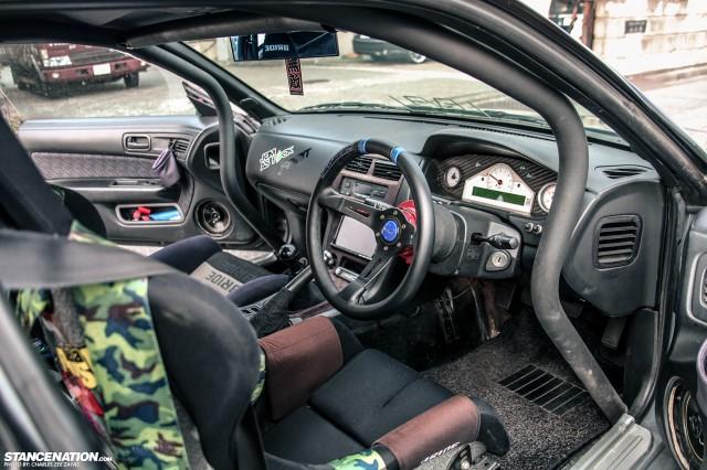 Slammed Japanese Nissan Silvia S14 (2)
