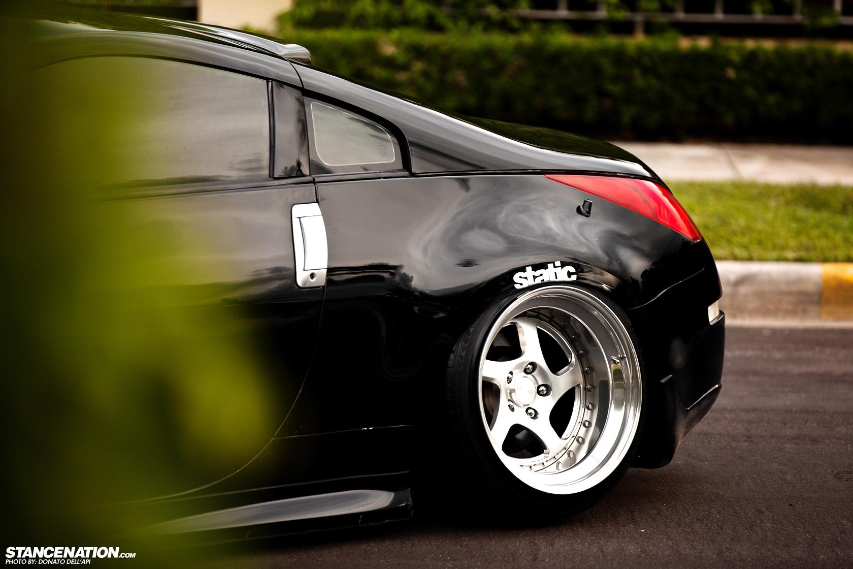 Nissan 350z Black Tenacious Z // Luis' L...