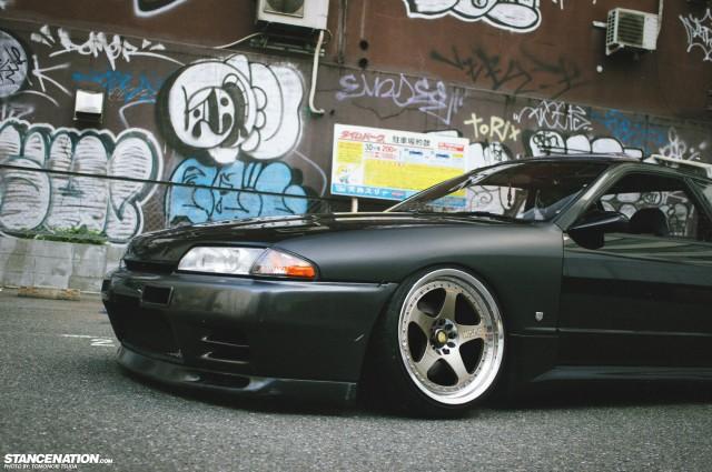 Down & Sideways // Tsuda's slammed Nissan Skyline R32 ...