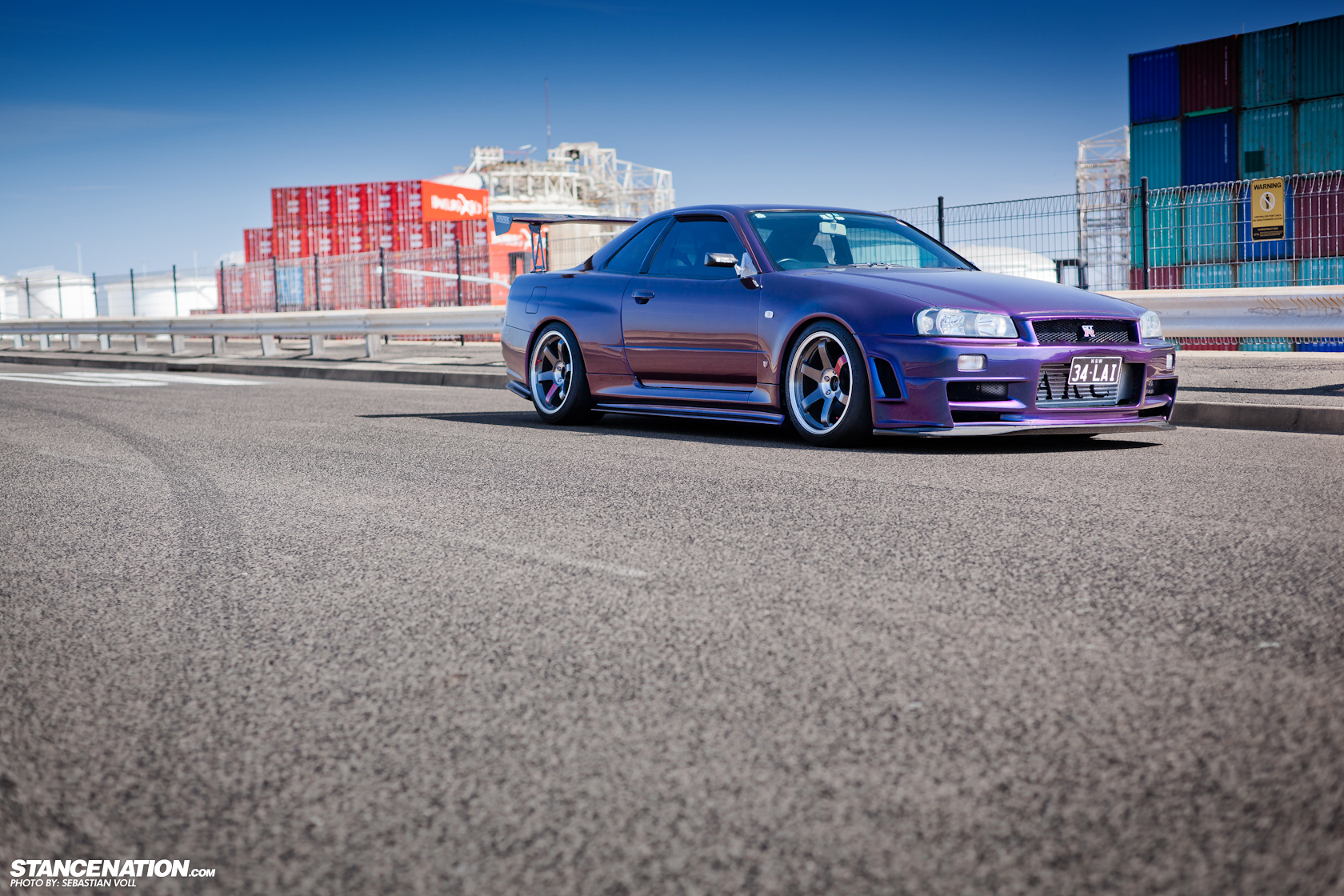 is a 1999 nissan skyline r34 gtr legal in usa autos post. Black Bedroom Furniture Sets. Home Design Ideas