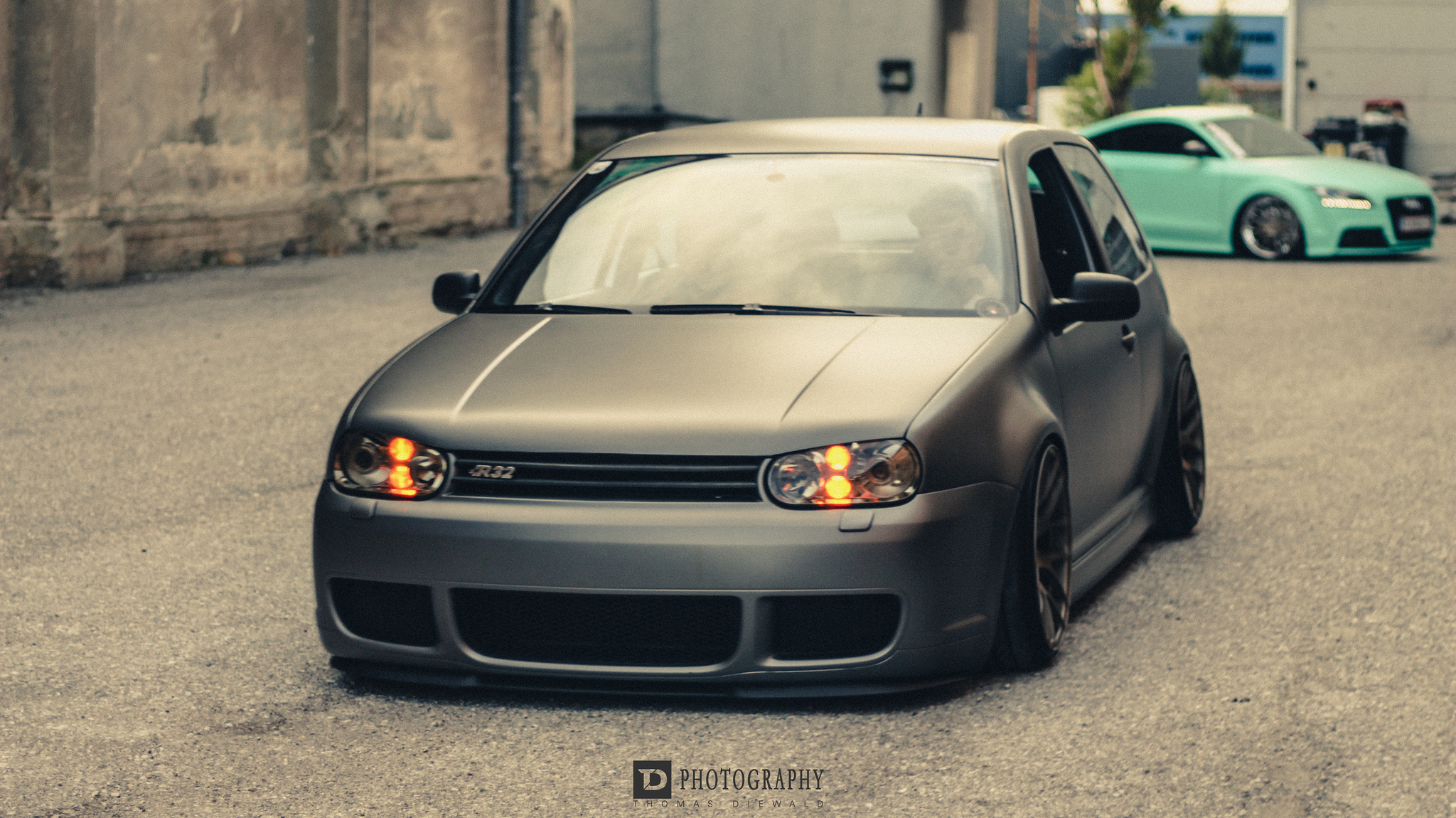badass vw r32 stancenation form function. Black Bedroom Furniture Sets. Home Design Ideas