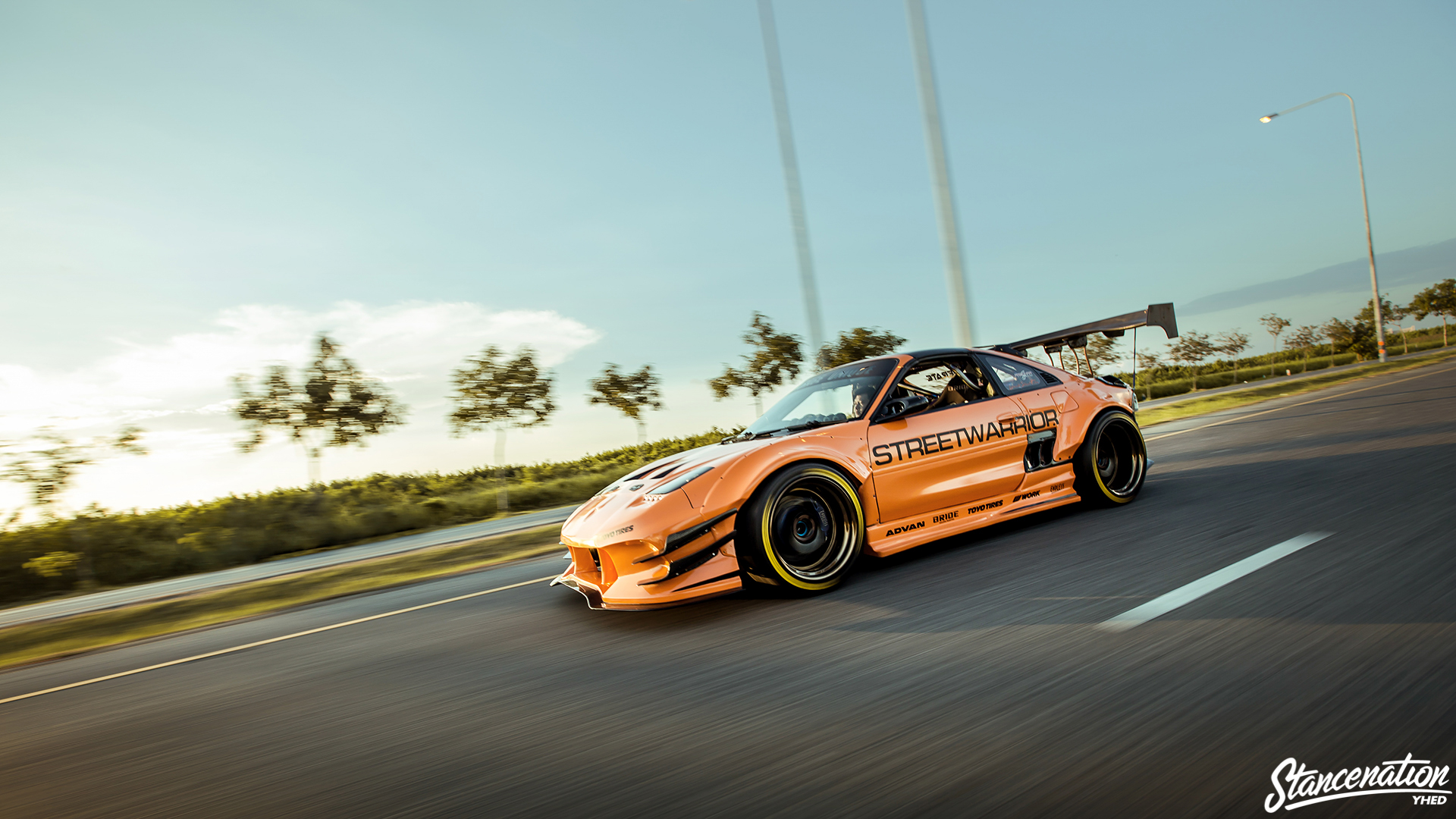 Garage Unique Mr2 8