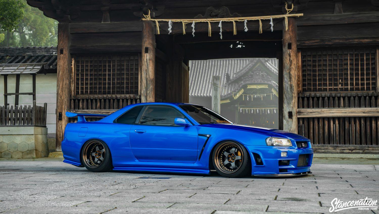 Stanced Nissan R Gtr X